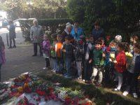 У памятника Ю. А. Гагарину